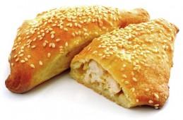 Пирожок с курицей и сыром, 65 гр.