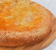 Пирог осетинский с курицей, грибами и сыром, 900 гр.