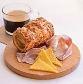 Трдельник с сыром и беконом, большой
