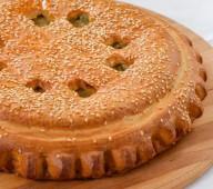 Пирог с курицей и марин.огурчиками, 1 кг.