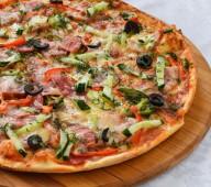 Пицца с ветчиной и копч-ми, 600 гр.